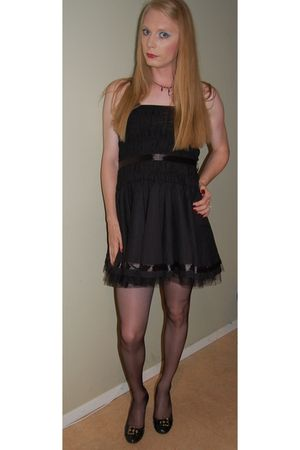 black from a friend unknownwn dress - black bronx shoes - holdups H&M stockings
