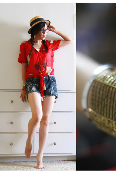 brick red kimchi and blue shirt - tan straw hat no brand hat