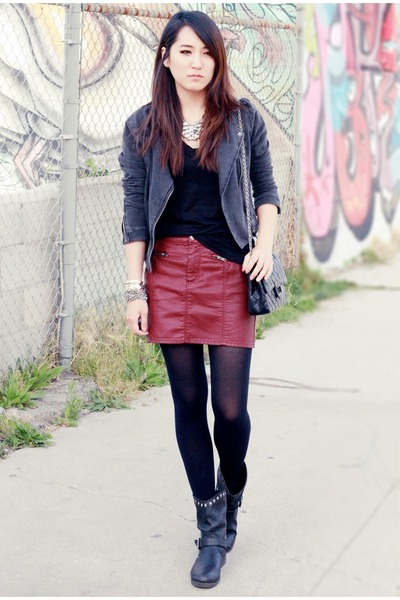gray H&M jacket - black leather quilted Chanel bag - crimson H&M skirt