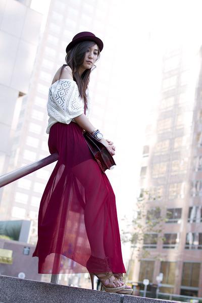 brick red Forever 21 skirt - crimson felt fedora Urban Outfitters hat