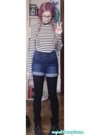 gray Primark hoodie - black H&M leggings - blue Primark shorts