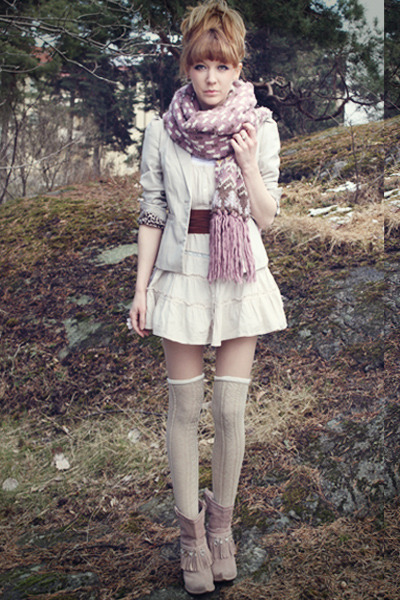 light purple H&M scarf - brown Scorett boots - off white lindex dress