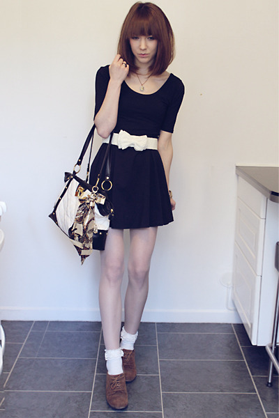 Black Gina Tricot Dresses Brown Deichmann Shoes Off White Socks