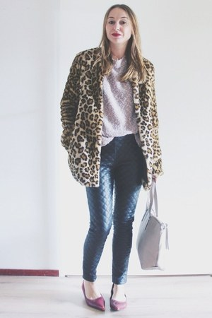 camel leopard print Loavies coat - light pink knit COS sweater