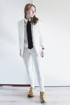 white coated Zara jeans - white basic Zara blazer