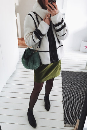 white shearling zaful coat - green faux fur zaful bag