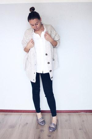 beige knit Zara cardigan - black maternity asos jeans