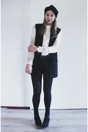 black sheer paneled Zara boots - black turban asos hat - black Mango blazer