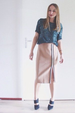 neutral pencil skirt Zara skirt - teal sequin Zara top - black mules Nelly heels