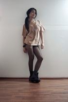 Maiden t-shirt - Dr Martens boots