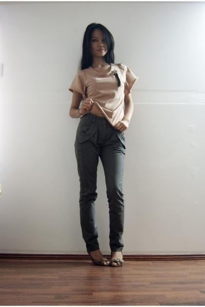 Maiden t-shirt - Topshop pants