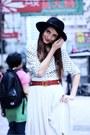 Black-fedora-vintage-hat-red-vintage-belt-white-floral-print-thrifted-vintag