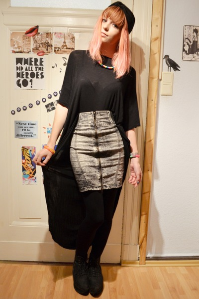 heather gray denim skirt - black cape-top cape