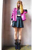 black cropped BANK FASHION top - black leather Zara skirt