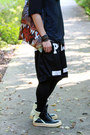 Black-snapback-mitchell-ness-hat-black-pyrex-vision-shorts