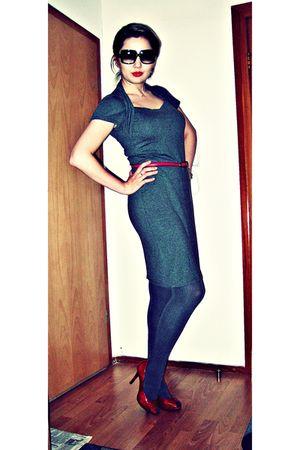 gray Zara dress - gray Calzedonia tights - red shoes - red belt - black Nina Ric