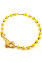 giraffe yellow Manic Trout necklace