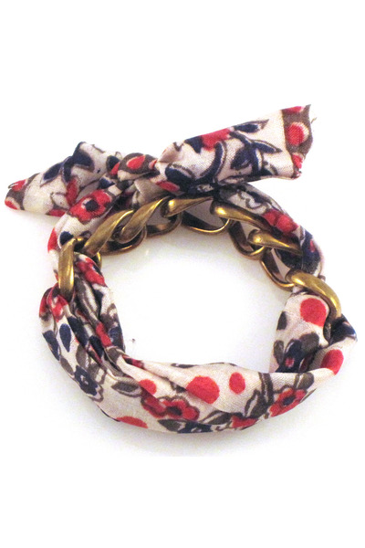 silk chain Manic Trout bracelet