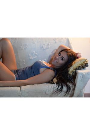 blue JADEA intimate