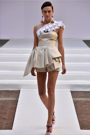 beige Capucci dress