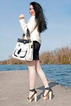ivory Guess jacket - ivory bag - black sandals