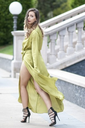 lime green LArmario dress - black Giuseppe Zanotti sandals