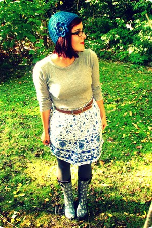 white thrifted skirt - charcoal gray owl Fred Meyer boots - blue homemade hat