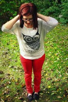 heather gray owl Forever 21 shirt - red thrifted pants - black Payless flats