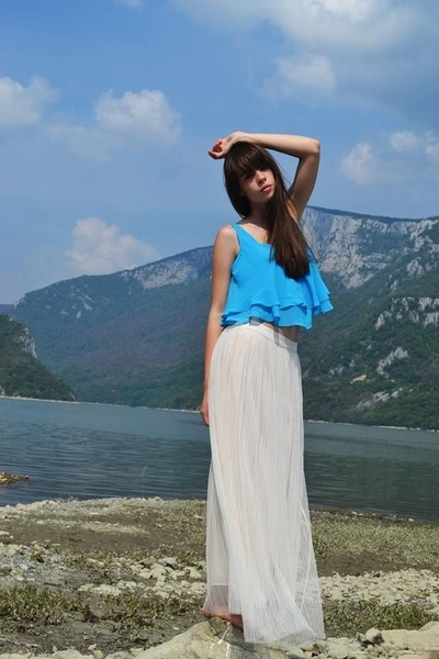 ivory poema skirt - blue River Island blouse