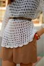 Brown-steve-madden-shoes-white-crochet-vintage-shirt-coral-vintage-purse-t