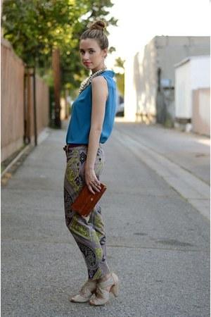 violet paisley printed JCrew pants - blue sleeveless silk Jigsaw London shirt