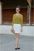 mustard 11 eurkea blouse - beige clutch banana republic bag