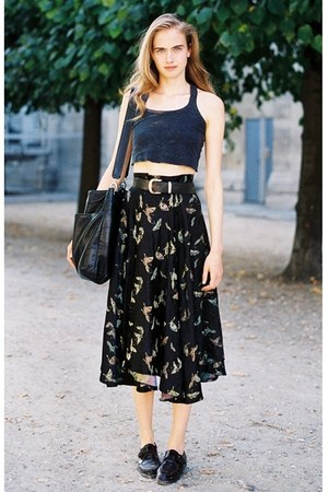 high waisted skirt - brogues shoes - black bag