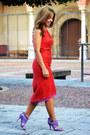 Red-caramelo-dress-violet-zara-heels