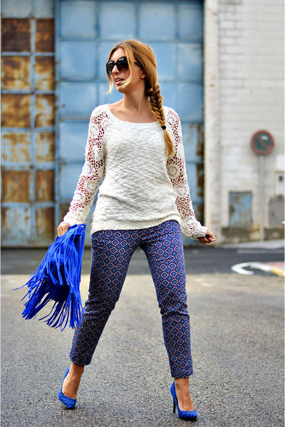 blue BLANCO heels - white BLANCO sweater - blue Sfera pants