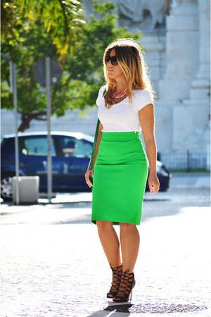 green vintage bag - black Zara heels - salmon H&M necklace - green Zara skirt