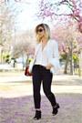 Black-levis-jeans-white-shein-blazer
