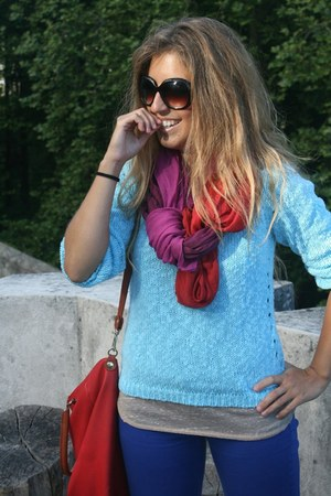ruby red Zara scarf - blue BLANCO jeans - sky blue el corte ingles sweater