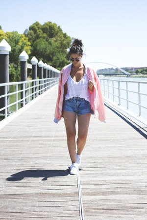 Zara shorts - asos sunglasses - Zara t-shirt - Yumas sneakers