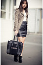 Black-asos-boots-dark-khaki-bb-dakota-jacket-black-leather-topshop-skirt