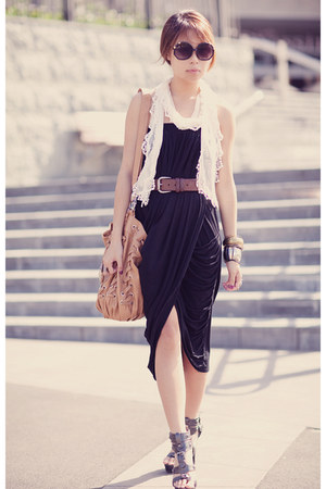 black Lycyd Acyd dress - tawny Forever New bag
