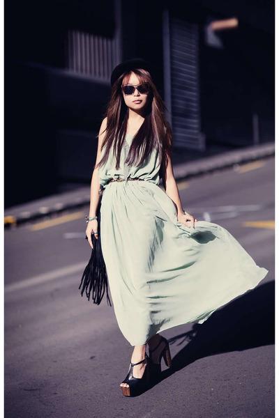 black Jessica Simpson heels - light blue Schwing schwing dress