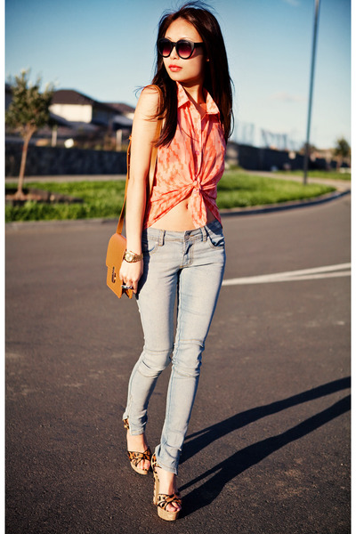 coral Factorie top - light blue Factorie jeans - chartreuse ring