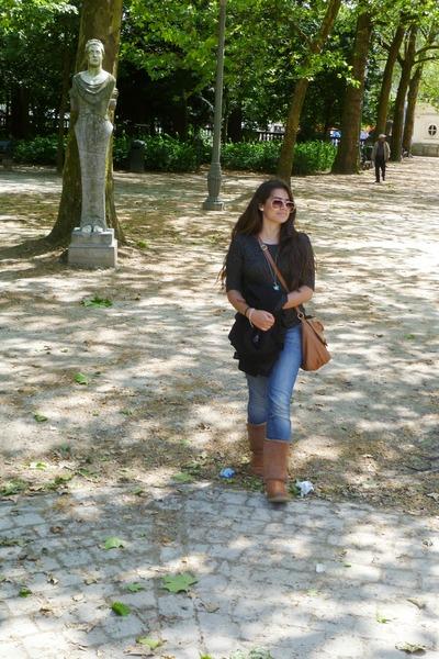 blue street style Naf Naf jeans - bronze street style Primark bag