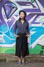 Navy-shirts-tokito-top-black-culottes-marcs-pants-blue-sandals-alohas-flats