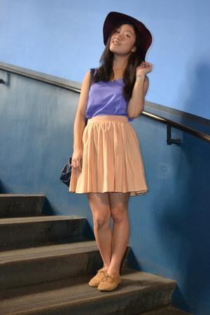 peach skirt Her Pony skirt - brick red floppy felt hat Deena & Ozzy hat