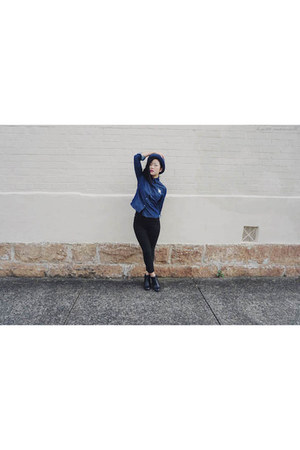 black boots Hush Puppies boots - black pants Uniqlo pants - blue top romwe top