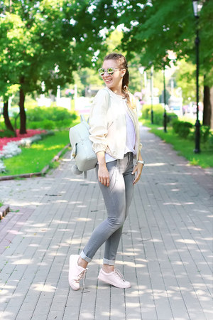aquamarine Zara bag - light pink Stradivarius sneakers