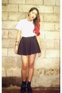 Black-shoes-shirt-black-skirt