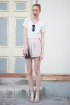 beige H&M shorts - off white merona t-shirt